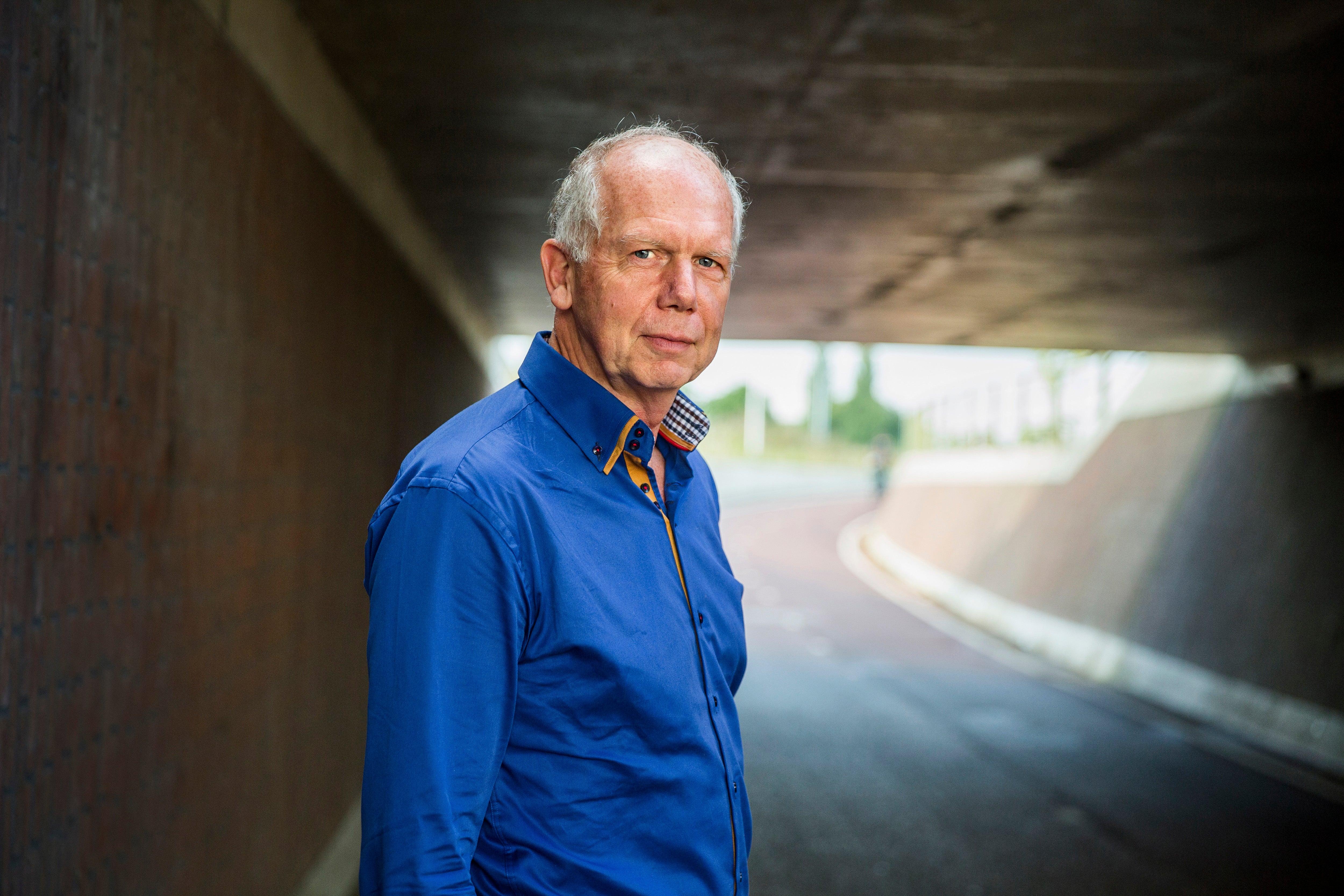 Psychiater en filosoof Gerrit Glas is de eerste Nederlandse hoogleraar filosofie van de neurowetenschappen. 'Ik wil niet als een wijsneus boven de wetenschap hangen.'