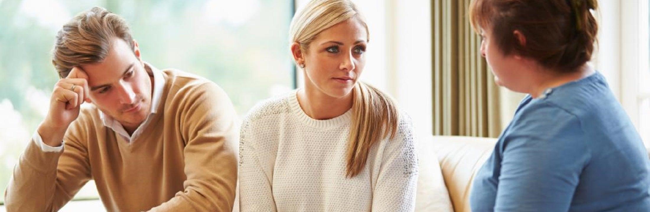 ouders in gesprek met parenting coordinator