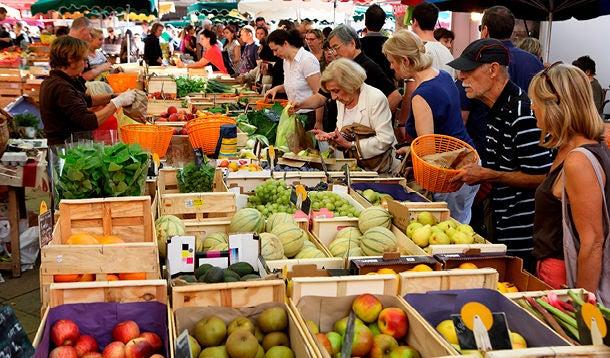People shopping at foodmarket