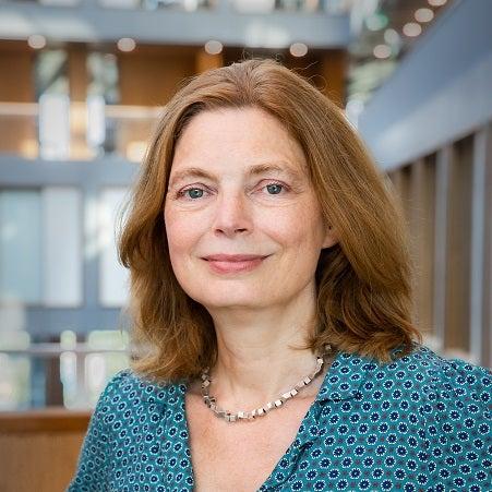 Dr. Anne Loeber